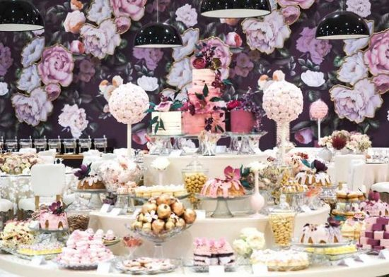 Dessert table - 2018 wedding trends
