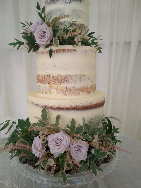 these flowers on your wedding cake could be deadly